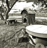 The pizza oven (B/W)